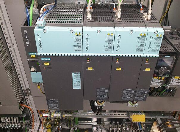 Energetsko učinkovit sistem frekvenčnih pretvornikov odvijalno/navijalnega dela